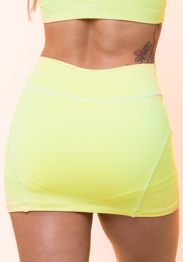 Short saia amarelo básico