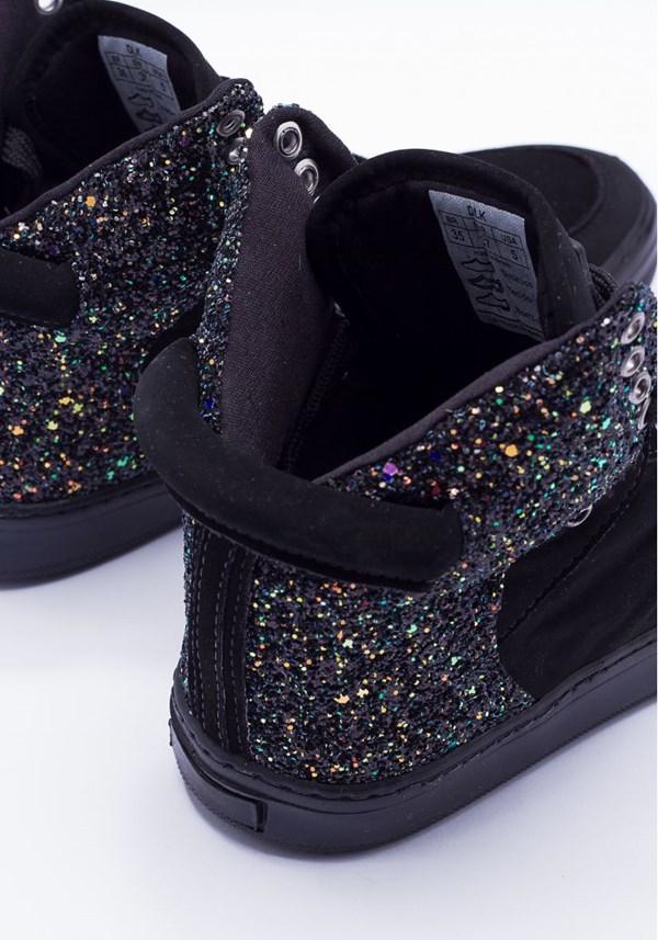 Sneaker preto com brilho