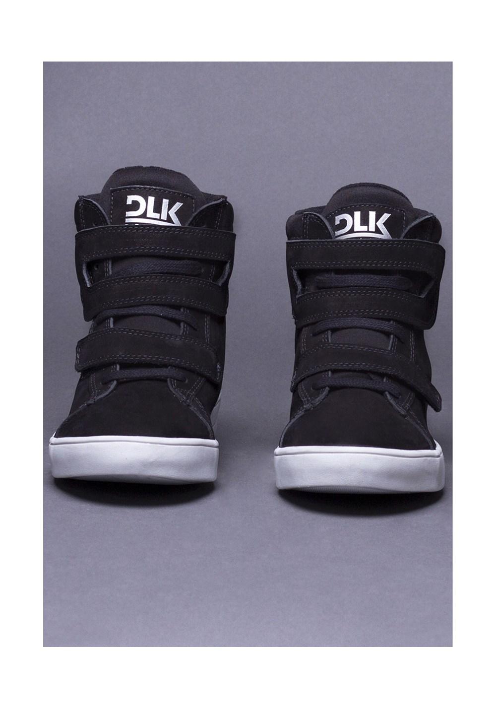 Sneaker preto dlk