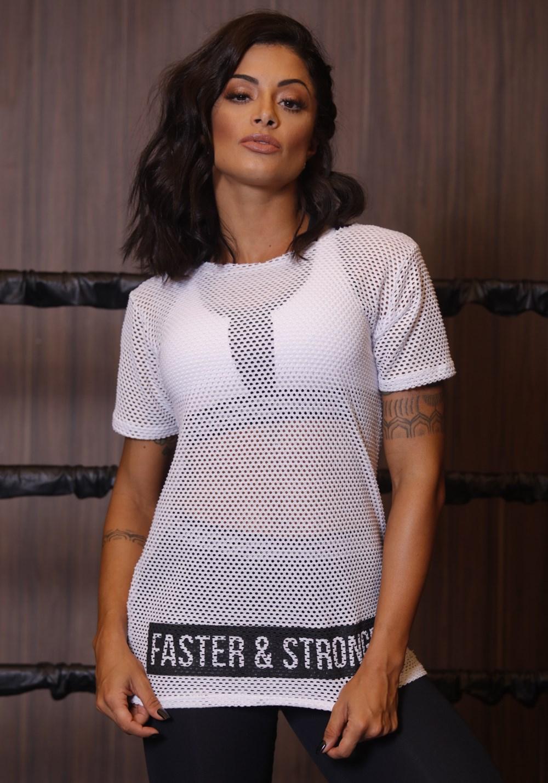 T-shirt arrastão branca faster and strong