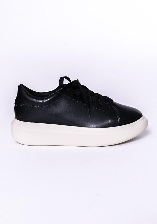 Tênis modelo calf shoes com cadarço preto