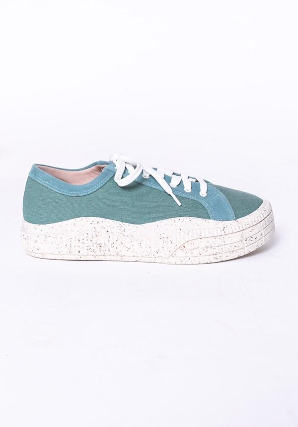 Tênis modelo plataforma shoes em lona e tela verde água