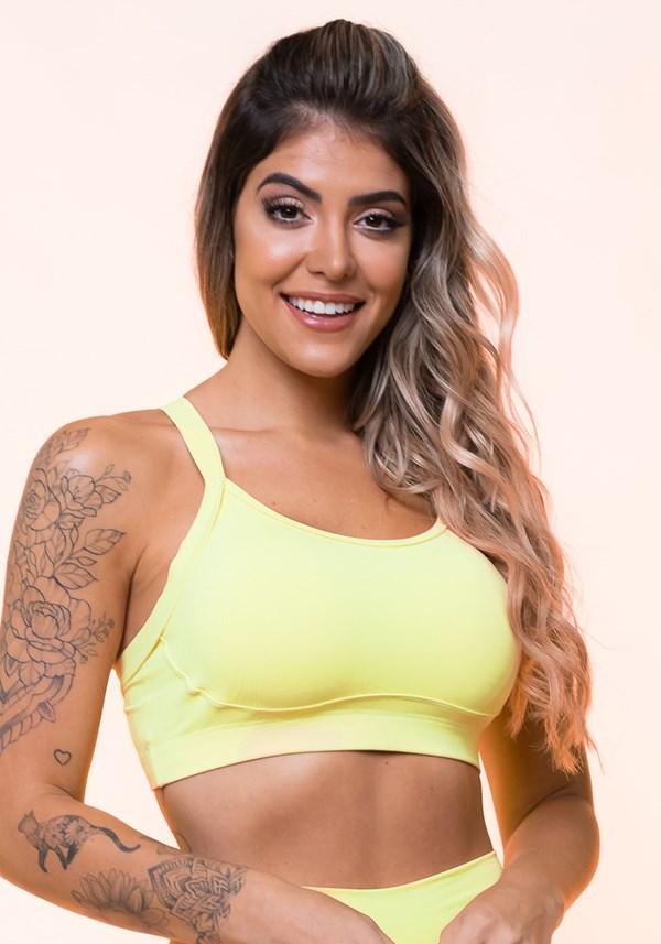 Top fitness amarelo com recorte e tiras básico