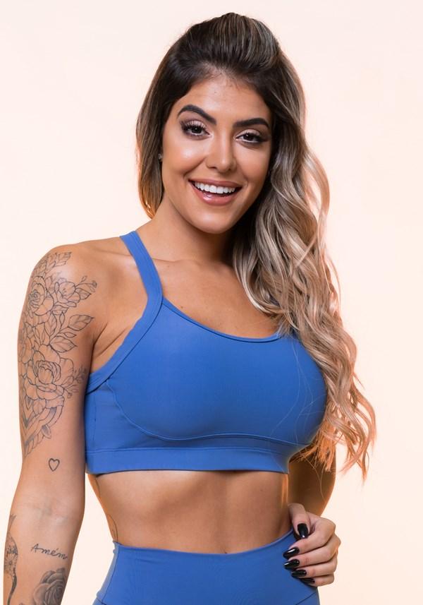 Top fitness azul com recorte e tiras básico