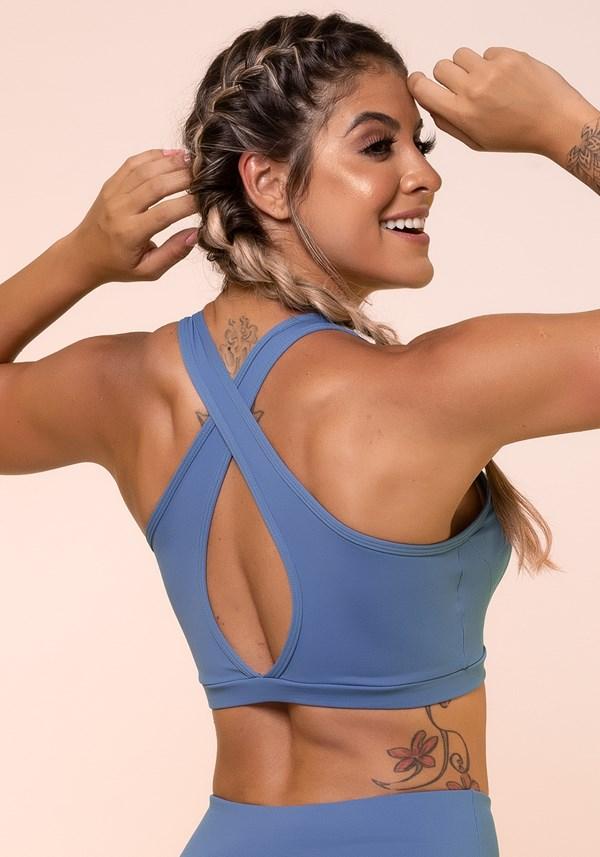 Top fitness azul cruzado com bojo removível