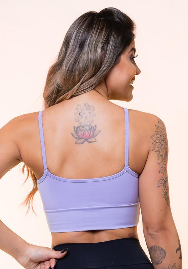 Top fitness com recortes e bojo lilás