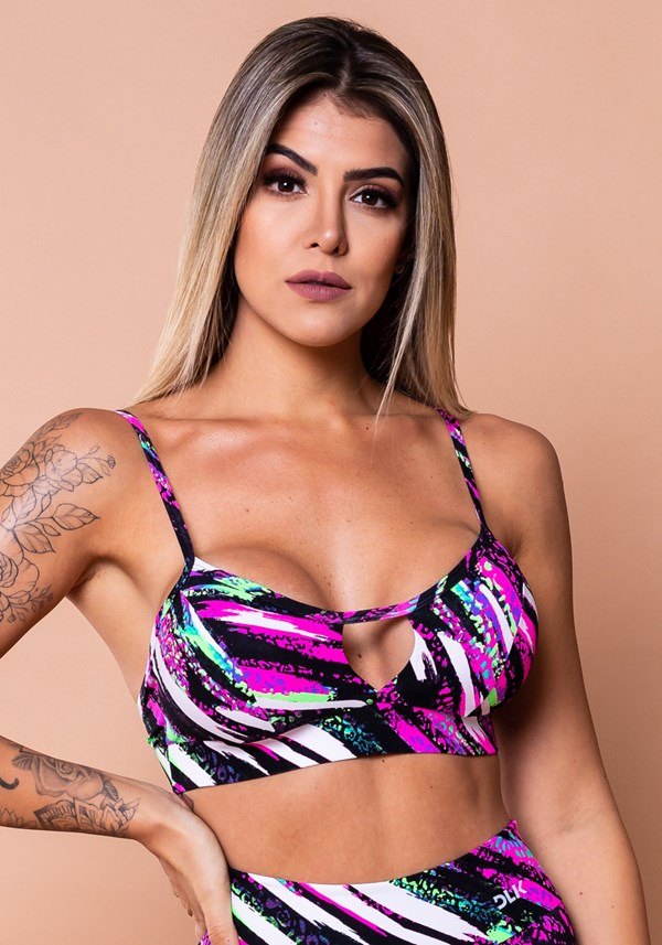 Top fitness wild vazado com estampa de onça colorida